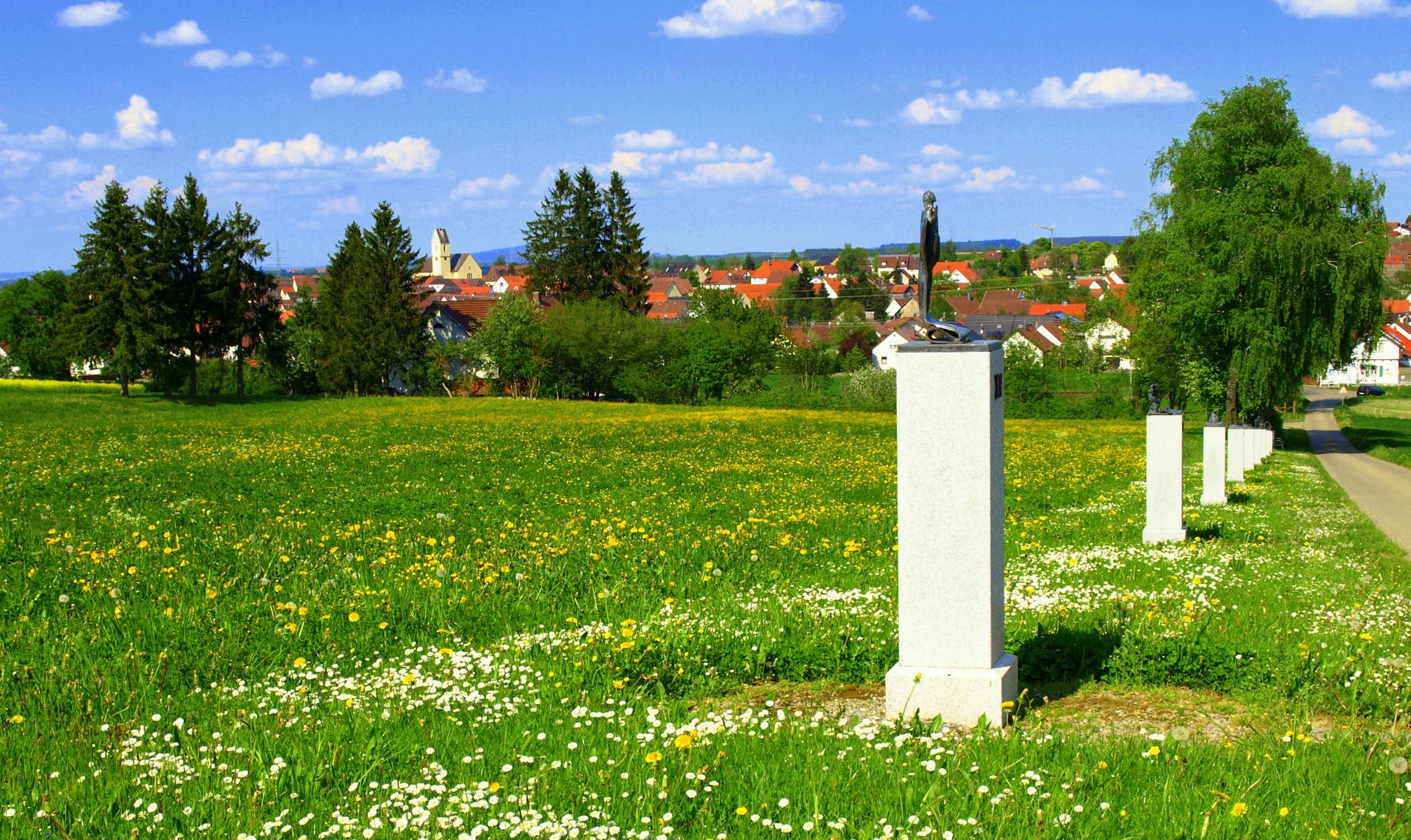 Blick auf Herbertingen und den Kreuzweg in Herbertingen