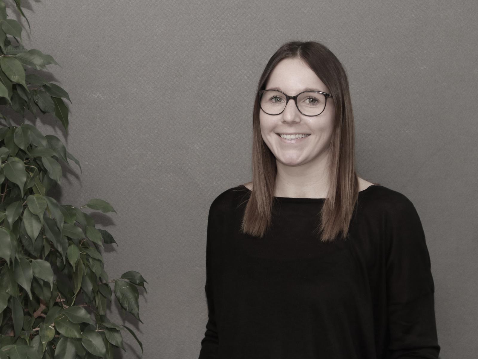 Porträt Frau Jessica Mayer