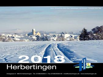 Titelbild des Fotokalenders mit Abbildung einer verschneiten Winteransicht mit Fahrspuren und Blick auf die Gemeinde Herbertingen und im Hintergrund auf den Bussen